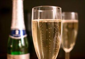 champagne-1110591_1920-1